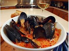 mussels with chorizo   tomato and wine_image