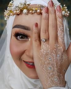 Gambar Mungkin Berisi Satu Orang Atau Lebih Pernikahan