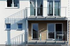 stahlkonstruktion terrasse kosten stahlterrasse stahlbalkon kosten einer stahlkonstruktion