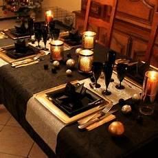 Table De Reveillon Chic En Noir Or Et Argent Z 244 Dio