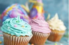 muffin rezept mit öl gla 231 age cupcake 5 types de topping et nappages