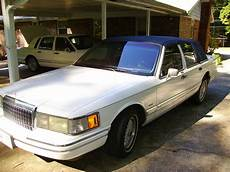 how do i learn about cars 1993 lincoln continental electronic throttle control thecaesar 1993 lincoln town car specs photos modification info at cardomain
