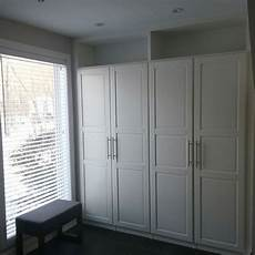 ikea schrank schlafzimmer ikea pax wardrobes cleverly built in with top shelves