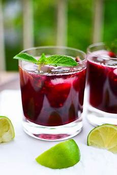 blackberry mojito cheap holiday party fruit cocktail