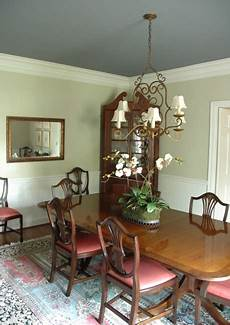 does dark paint make your ceiling appear lower the