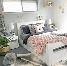 Bedroom Ideas Grey Pink And White by Gray And Gold Bedroom Grey And Gold Bedroom Dumbfound