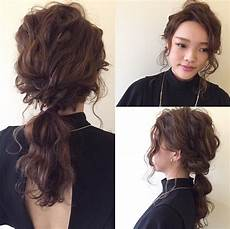 medium ponytail hairstyles 30 eye catching ways to style curly and wavy ponytails