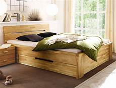 massivholzbett mit stauraum massivholzbett caspar 200x200 wildeiche ge 246 lt stauraumbett doppelbett wohnbereiche schlafzimmer