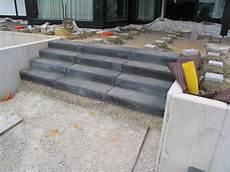 Blockstufen Beton Setzen - bilder der baustelle w 228 hrend der becken gestaltung