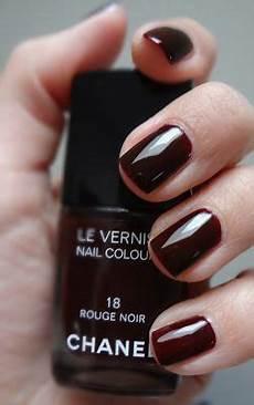 chanel noir check sweepsentry nail