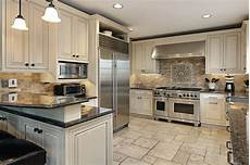 How To Choose A Kitchen Backsplash How To Select A Backsplash For Your Kitchen Better Homes