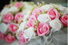 Joli Bouquet De Fleurs Blanches Et Roses T 233 L 233 Charger Des