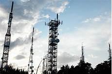 tralicci per antenne usi civici il tar accoglie ricorso per antenne televisive