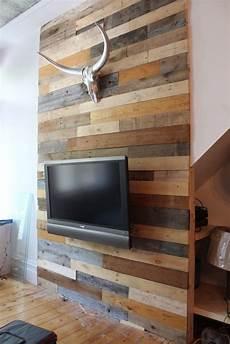 deco mur en bois planche tu pourrais 233 largir la bande de bois pour int 233 grer des