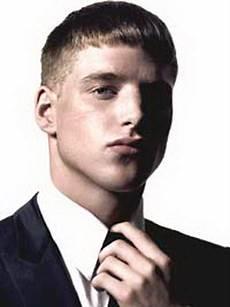 coiffure homme bouclé coupe courte pour homme