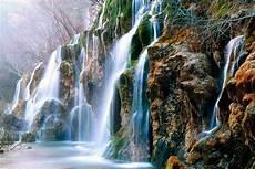 cascade en waterfalls mountains waterfalls photo 5835884 fanpop