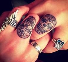 tatouage a deux petit tatouage homme tete de mort