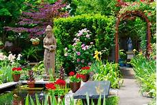 the best garden walks throughout buffalo niagara falls