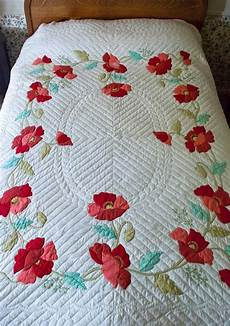 applique quilting vintage applique quilt poppy appliqued quilt bucilla