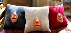cuscino funziona il cuscino insegna a baciare ecco come funziona