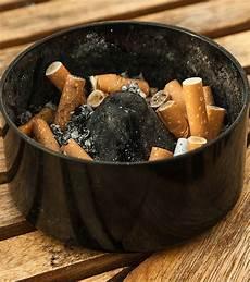 So Lassen Sich Zigarettengeruch Und Kalter Rauch Beseitigen