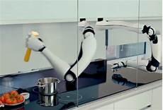 le premier robot chef cuisinier du monde