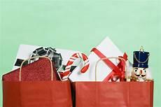 holiday shopping 2016 parents millennials spending rise money