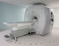 hopital pour les yeux plaisir des appareils 224 scanner et une irm pour le