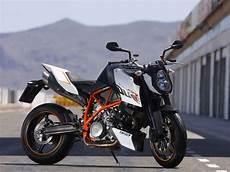 Ktm Superduke 990 - ktm 990 duke r alpha animal 2012 review motorboxer