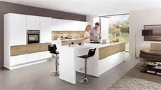 luxe woonkeuken met groot kookeiland keukens op maat