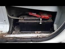 opel movano gdzie jest akumulator where is the battery