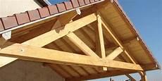 charpente en bois ou en acier manie tout toiturier