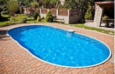 swimmingpool luxus im eigenen swimmingpool im eigenen garten so gelingt der traum pool