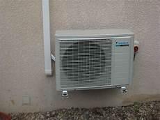pose de climatisation comment cacher bloc climatisation ext 233 rieur tiba
