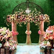 grass wall 20 wedding ceremony backdrops popsugar love