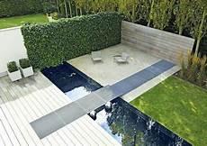 Moderne Terrassengestaltung Mit Wasser Schner Sitzplatz