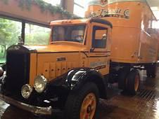 Mack Truck 1939 Restoredjpg  Wikimedia Commons