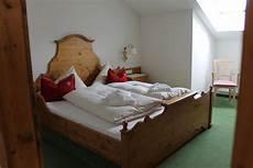 rolf schlafzimmer quot schlafzimmer 1 quot hotel moserhof tannheim holidaycheck