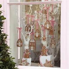 christmaswindowdisplay christmasdecorating moderne