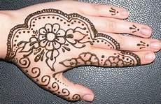 Gambar Henna Sederhana Tapi Indah Gambar Kelabu