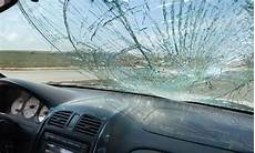 glass auto service windshield repair service