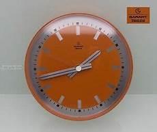 wanduhr netzbetrieb 70er design garant transistor uhr wanduhr orange