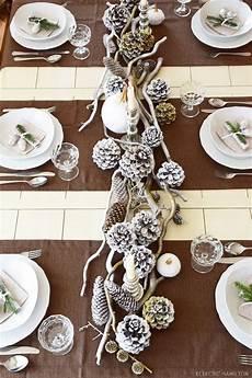 weihnachtliche tischdeko ideen winterlich festliche tischdeko mit naturmaterialien mrs