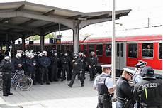 Polizei Karlsruhe Presse - 20 09 2012 polizei 252 bung am bahnhof durlach das