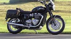 triumph bonneville t120 essai triumph bonneville t120 term review what the other reviews didnt tell you