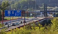Schwerer Unfall Auf Autobahn Vor Grenz 252 Bergang Rheinfelden