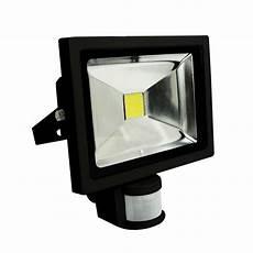 projecteur led 20 w noir avec capteur cr 233 puscule pr 233 sence