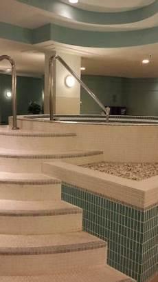 Tub Edmonton Hotel by Coast Edmonton Plaza Hotel By Apa Updated 2018 Prices