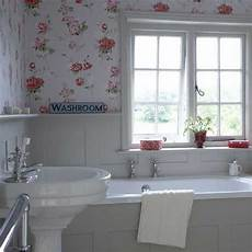 Small All White Bathroom Ideas by Ideas For Small Bathrooms