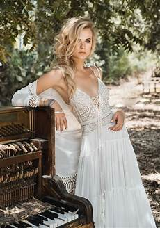 10 Bohemian Wedding Dresses Brides Will For 2017